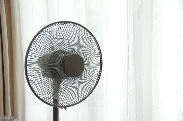 暑い夏を乗り切るには涼しい冷風機がおすすめ